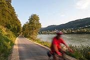 Radweg an der Donau, Engelhartszell, Oberösterreich, Österreich | cycleway, Danube, Engelhartszell, Austria