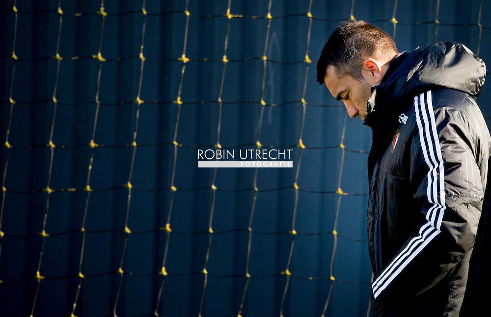 ROTTERDAM - Giovanni van Bronckhorst, coach Feyenoord  tijdens de training van woensdag 24 februari , copyright robin utrecht