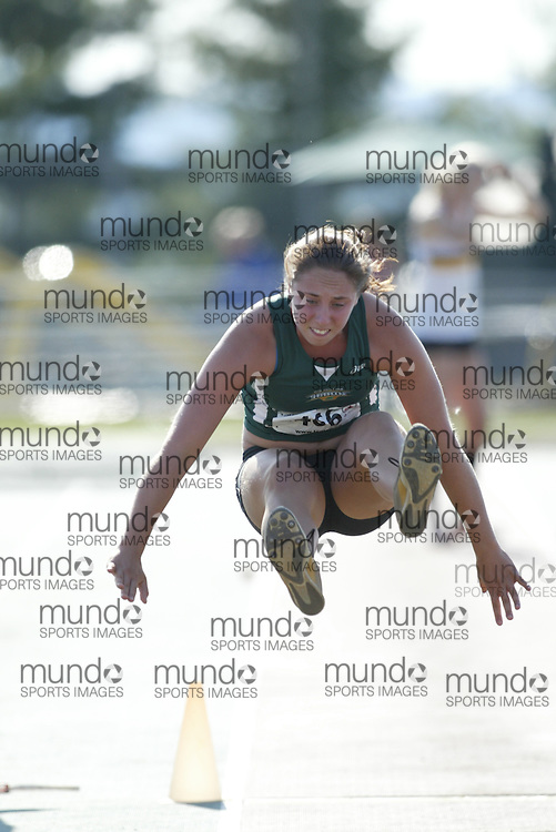 (Sherbrooke, Quebec -- 8 Aug 2009)  Karyane Bergeron of Saguenay Lac St-Jean competes in girls under-17 (youth) long jump at the 2009 Royal Canadian Legion National Youth track and field championships. Photograph copyright Sean Burges / Mundo Sport Images  2009.