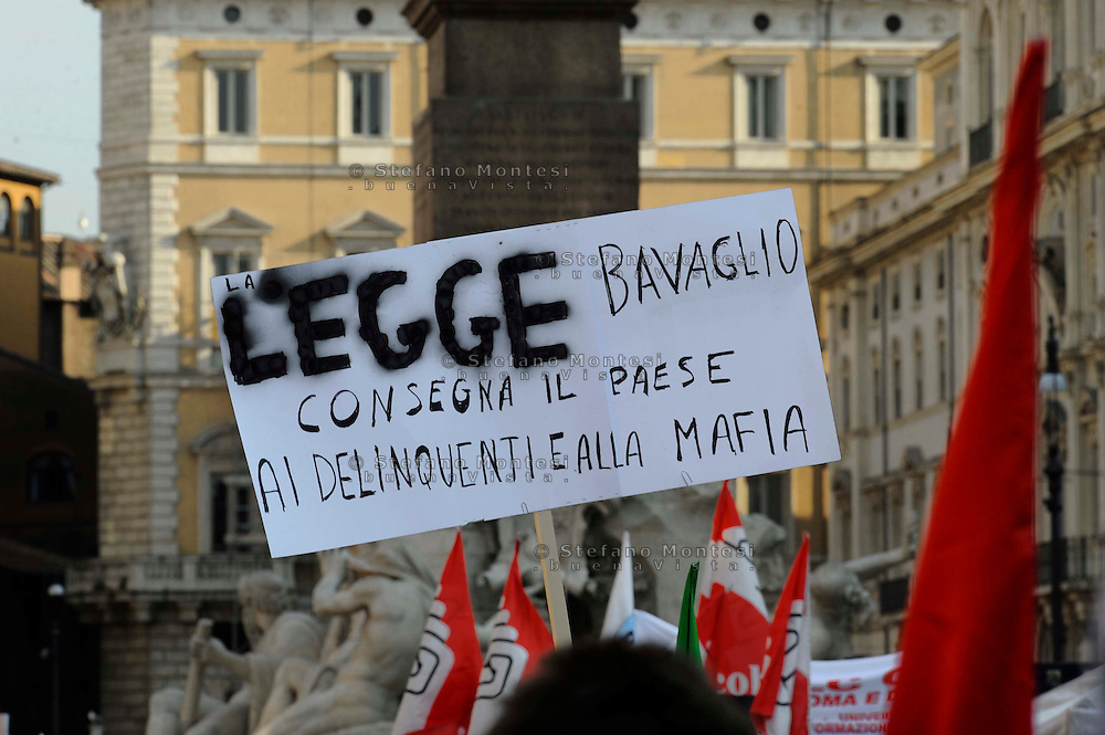 "Roma  1 Luglio 2010.Manifestazione a Piazza Navona per protestare  contro il ddl Alfano sulle intercettazioni e contro il «bavaglio all'informazione»,organizzata dalla stampa e dagli editori.Rome  July, 1  2010.Demonstration outside to protest against the Alfano bill on wiretapping and against the ""gag information""."