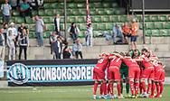 FC Helsingørs spillere i klynge før kampen i 2. Division mellem HIK og FC Helsingør den 30. august 2019 i Gentofte Sportspark (Foto: Claus Birch).