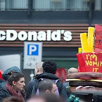 Foto Piero Cruciatti / LaPresse<br /> 01-05-2015 Milano, Italia<br /> Cronaca<br /> Manifestazione del 1 Maggio e proteste No Expo <br /> Nella Foto: Partecipanti alla manifestazione del 1 Maggio e gruppi antagonisti No Expo<br /> <br /> Photo Piero Cruciatti / LaPresse<br /> 01-05-2015 Milan, Italy<br /> News<br /> Mayday celebrations and No Expo protests <br /> In the Photo: People gather to celebrate Mayday and to protest against the opening of Expo 2015 No Expo and mayday protests in Milan turn violent.<br /> <br /> Scontri durante la manifestazione del 1 Maggio di gruppi antagonisti No Expo e black bloc a Milano