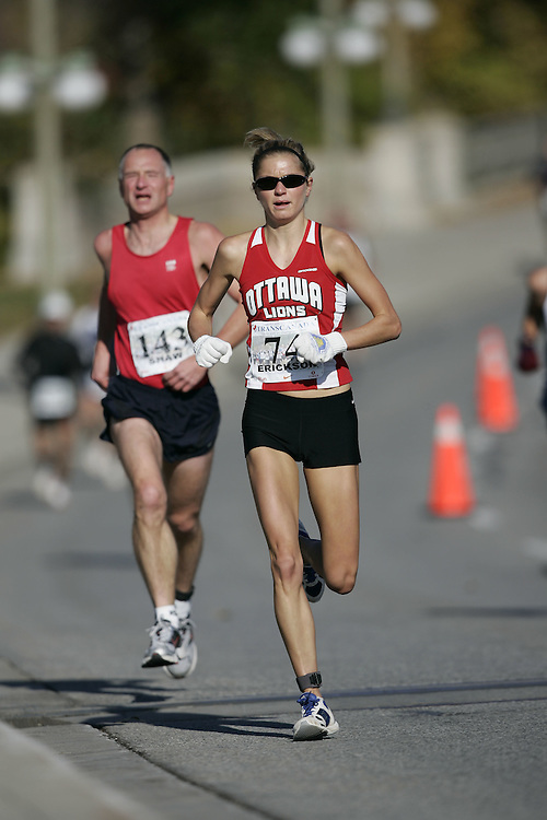 (Ottawa, ON---18 October 2008) ROBYN ERICKSON competes in the 2008 TransCanada 10km Canadian Road Race Championships. Photograph copyright Geoff Robins/Mundo Sport Images (www.msievents.com).