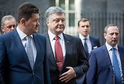 © Licensed to London News Pictures. 19/04/2017. London, UK. Ukrainian President Petro Poroshenko leaves Downing Street. Yesterday, Theresa May called a snap General Election, to take place on 8 June 2017. Photo credit : Tom Nicholson/LNP