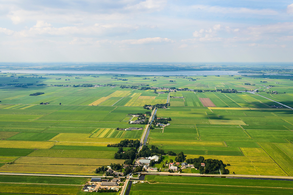 Nederland, Overijssel, Gemeente Zwartewaterland, 27-08-2013; Polder Mastenbroek, middeleeuwse polder. Ten Oosten van Kampen, gezien naar het Zwarte Meer en NOP. Nationaal Landschap (IJsseldelta). <br /> Polder Mastenbroek, mediaeval polder east of Kampen. National Landscape.<br /> luchtfoto (toeslag op standaard tarieven);<br /> aerial photo (additional fee required);<br /> copyright foto/photo Siebe Swart.