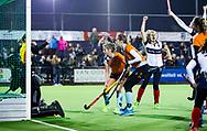HUIZEN - hoofdklasse competitie dames, Huizen-Groningen . Huizen komt op 1-1.   COPYRIGHT KOEN SUYK