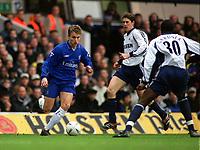 Fotball: Jesper Grønkjær / Gronkjaer (Chelsea) takes on Darren Anderton and Anthony Gardner (Tottenham). Tottenham Hotspur v Chelsea. FA Cup 6th Round, 10.03.2002.<br /> Foto: Andrew Cowie, Digitalsport