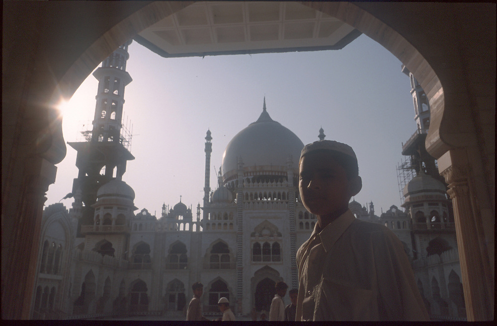 photo : Nadav Neuhaus..root of the Taliban.India , October2001...Darul-uloom-Deoband based at Saharanpur, 300 km north west of Indian capital New Delhi in Uttar Pradesh state..The Mosque