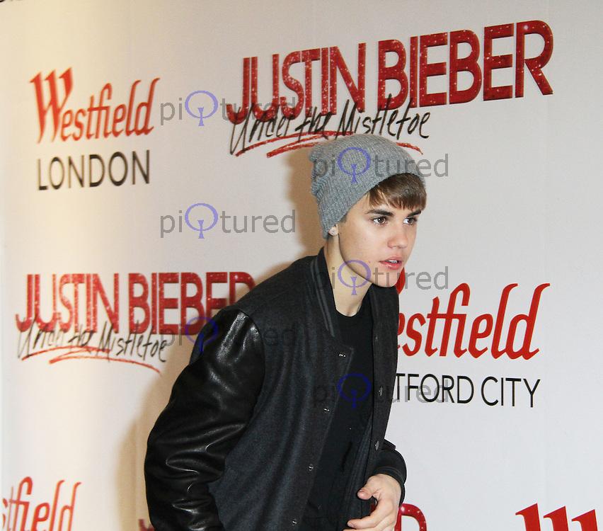 Justin Bieber switching-on Westfield London, Shepherd\'s Bush ...