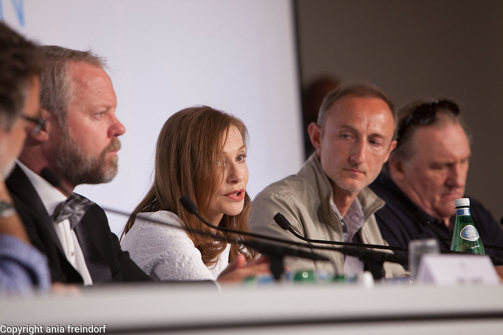 """Valley Of Love"" Conference de presse - The 68th Annual Cannes Film Festival"