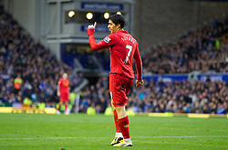 28.10.2012, Goodison Park, Liverpool, ENG, Premier League, FC Everton vs FC Liverpool, 9. Runde, im Bild Liverpool's Luis Alberto Suarez Diaz looks dejected at the linesman after his injury-time winner was being disallowed for offside during the English Premier League 9th round match between Everton FC and Liverpool FC at the Goodison Park, Liverpool, Great Britain on 2012/10/28. EXPA Pictures © 2012, PhotoCredit: EXPA/ Propagandaphoto/ David Rawcliffe..***** ATTENTION - OUT OF ENG, GBR, UK *****