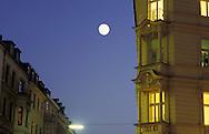 DEU, Germany, Cologne, moon above the city.....DEU, Deutschland, Koeln, Mond ueber der Innenstadt...