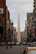 Buenos Aires, Argentina...Centro de Buenos Aires, Argentina. Na foto Obelisco de Buenos Aires ou El Obelisco, um monumento historico da cidade, localizado na Praca da Republica entre as avenidas Corrientes e 9 de Julho...Buenos Aires downtown, Argentina. In this phot The Obelisk of Buenos Aires is a national historic monument and icon of Buenos Aires. Located in the Plaza de la Republica, in the intersection of avenues Corrientes and 9 de Julio...Foto: LEO DRUMOND / NITRO