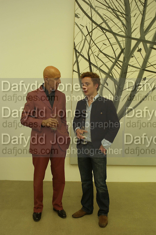 Edward Downpatrick and Alex Katz, Alex Katz 'One Flight Up' at the new Timothy Taylor Gallery , 15 Carlos Place. London. 11 October 2007. -DO NOT ARCHIVE-© Copyright Photograph by Dafydd Jones. 248 Clapham Rd. London SW9 0PZ. Tel 0207 820 0771. www.dafjones.com.