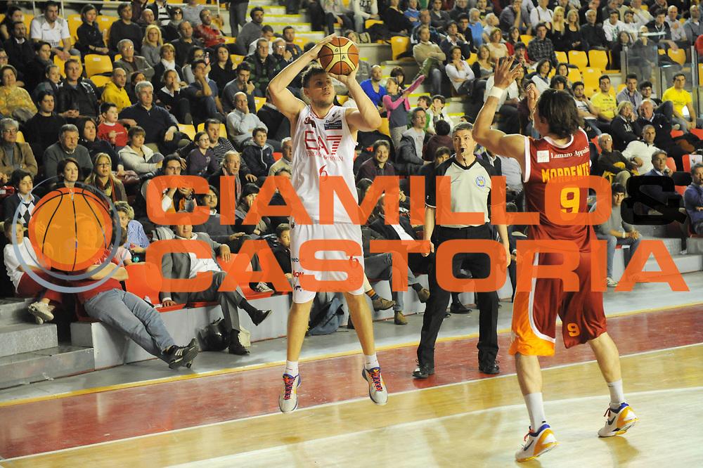 DESCRIZIONE : Roma Lega Basket A 2011-12  Acea Virtus Roma EA7 Emporio Armani Milano<br /> GIOCATORE : Stefano Mancinelli<br /> CATEGORIA : three points<br /> SQUADRA :  EA7 Emporio Armani Milano<br /> EVENTO : Campionato Lega A 2011-2012 <br /> GARA : Acea Virtus Roma EA7 Emporio Armani Milano<br /> DATA : 25/04/2012<br /> SPORT : Pallacanestro  <br /> AUTORE : Agenzia Ciamillo-Castoria/ GiulioCiamillo<br /> Galleria : Lega Basket A 2011-2012  <br /> Fotonotizia : Roma Lega Basket A 2011-12 Acea Virtus Roma EA7 Emporio Armani Milano <br /> Predefinita :
