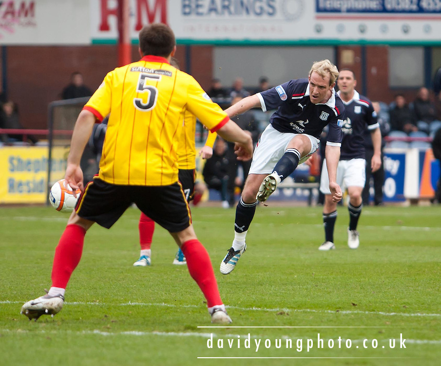 Dundee's Gary Irvine fires in a shot - Dundee v Partick Thistle, Irn Bru Scottish Football League First Division at Dens Park..© David Young - 5 Foundry Place - Monifieth - DD5 4BB - Telephone 07765 252616 - email: davidyoungphoto@gmail.com - web: www.davidyoungphoto.co.uk