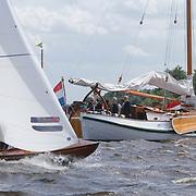 NLD/Loosdrecht/20120623 - Koningin Beatrix bezoekt vlootschouw nij het 100 jarig bestaan van watersportvereniging WNL  , Zeilboten die meedoen aan de vlootschouw