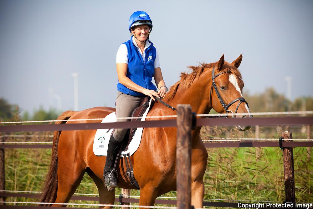 365772-Karin Donckers, Belgische Amazone die naar Olympische Spelen gaat-Donckers Stables-Achteraard 38 Minderhout