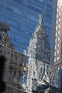 New York, Chrysler building reflexion on a mirror tower/ New York, le Chrysler building rellet sur une tour miroir.