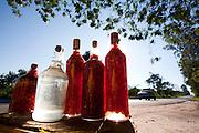 Divinopolis_MG, Brasil...Comercio informal de produtos na rodovia MG-50 em Divinopolis...The informal trade of products on MG-50 highway in Divinopolis...Foto: LEO DRUMOND / NITRO