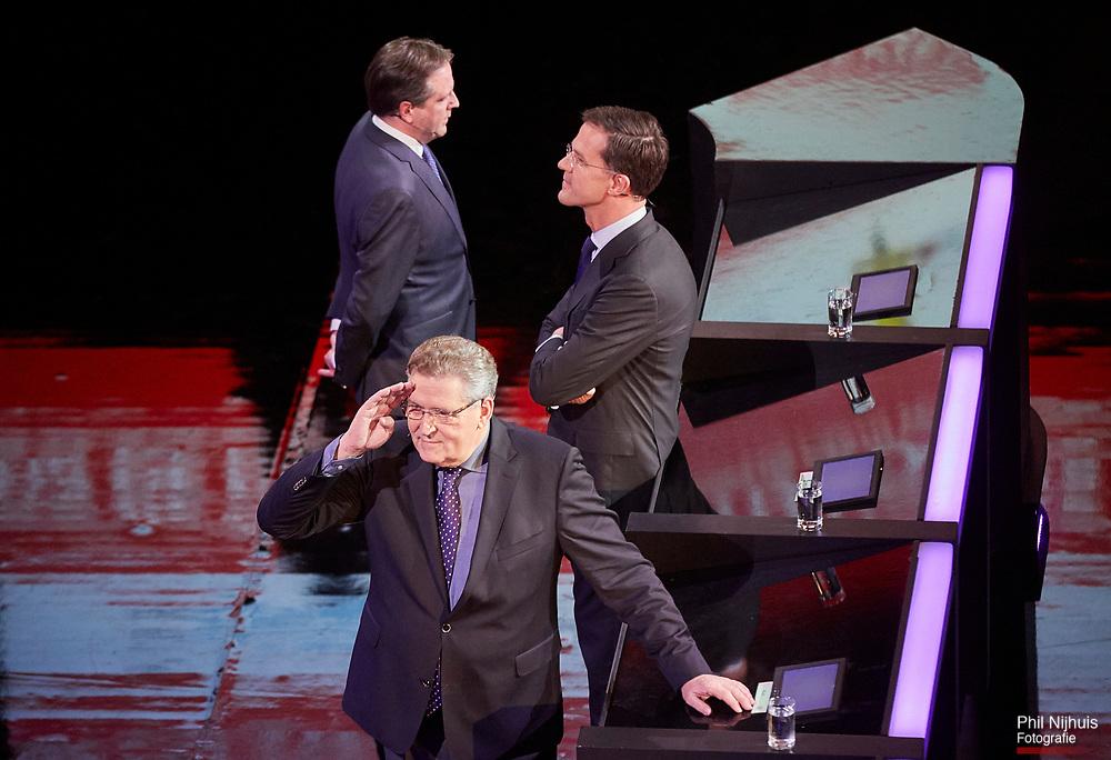 Amsterdam, 5 maart 2017 - Lijsttrekker Henk Krol tijdens een pauze in het RTL-Debat.<br /> In het Theater Carre wordt zondagavond het Carr&eacute;-debat gehouden tussen de Lijsttrekkers van de grote partijen. De lijsttrekkers van VVD, CDA, PvdA, D66, SP, GroenLinks, 50PLUS en PvdD gaan  in debat met elkaar. Wilders van de PVV doet niet mee aan dit debat.<br /> Foto: Phil Nijhuis