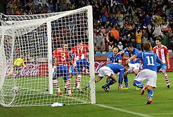 Football - soccer: FIFA World Cup South Africa 2010, Italy (ITA) - Paraguay (PRY), IL GOL DI DANIELE DE ROSSI DEL DEFINITIVO PAREGGIO