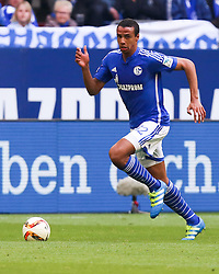 10.04.2016, Veltins Arena, Gelsenkirchen, GER, 1. FBL, Schalke 04 vs Borussia Dortmund, 29. Runde, im Bild Joel Matip (#32, FC Schalke 04) // during the German Bundesliga 29th round match between Schalke 04 and Borussia Dortmund at the Veltins Arena in Gelsenkirchen, Germany on 2016/04/10. EXPA Pictures © 2016, PhotoCredit: EXPA/ Eibner-Pressefoto/ Deutzmann<br /> <br /> *****ATTENTION - OUT of GER*****