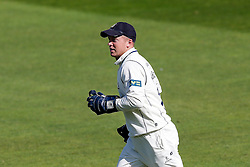 Tim Ambrose of Warwickshire celebrates after catching out Marcus Trescothick (capt) of Somerset for 87 (b. Mark Adair) - Mandatory byline: Rogan Thomson/JMP - 07966 386802 - 22/09/2015 - CRICKET - The County Ground - Taunton, England - Somerset v Warwickshire - Day 1 - LV= County Championship Division One.