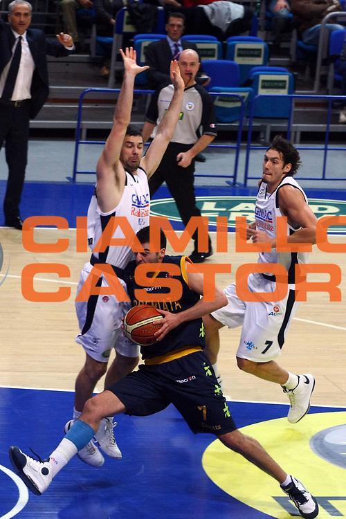 DESCRIZIONE : Bologna Lega A1 2008-09 Gmac Fortitudo Bologna Premiata Montegranaro<br /> GIOCATORE : Costas Vasileiadis  <br /> SQUADRA : Premiata Montegranaro<br /> EVENTO : Campionato Lega A1 2008-2009 <br /> GARA : Gmac Fortitudo Bologna Premiata Montegranaro<br /> DATA : 08/02/2009 <br /> CATEGORIA : penetrazione<br /> SPORT : Pallacanestro <br /> AUTORE : Agenzia Ciamillo-Castoria/M.Minarelli
