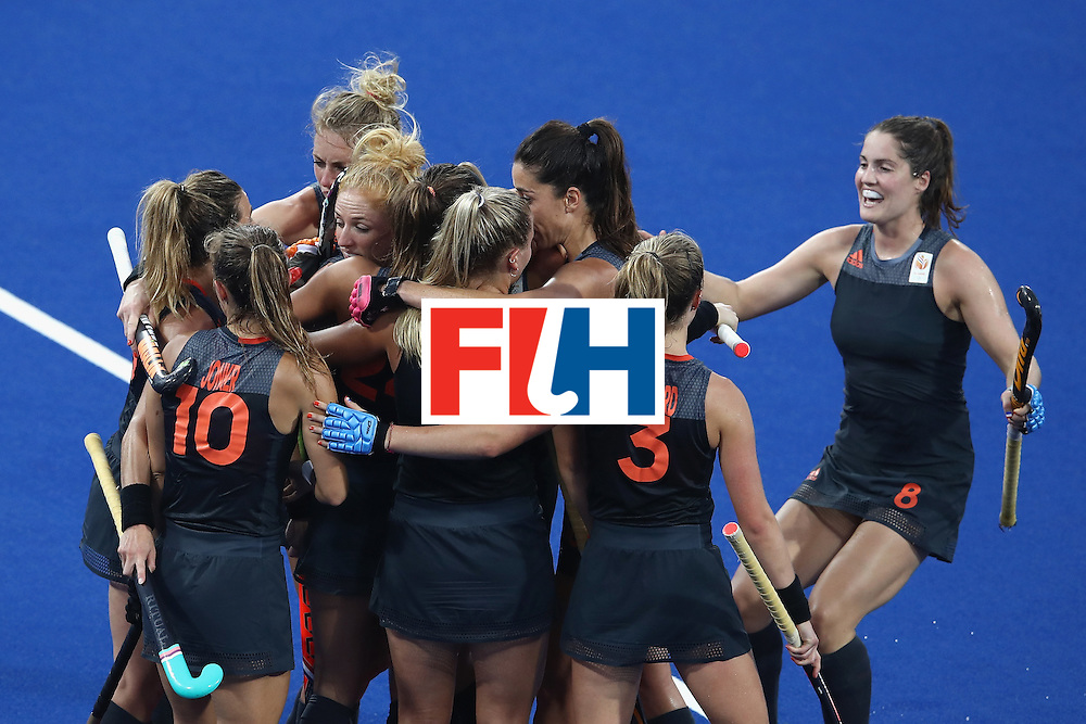 RIO DE JANEIRO, BRAZIL - AUGUST 19:  Netherlands celebrate a goal against Great Britain during the Women's Gold Medal Match against the Netherlands on Day 14 of the Rio 2016 Olympic Games at the Olympic Hockey Centre on August 19, 2016 in Rio de Janeiro, Brazil.  (Photo by Mark Kolbe/Getty Images)