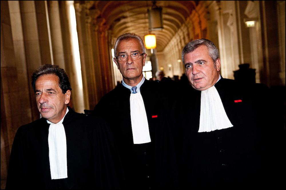 (de g. a d.) La defense des epoux Tiberi arrive devant la premiere chambre: Me Pierre Haik, Me Jean-Yves Leborgne, et Me Thierry Herzog a leur arrivee  lors de la premiere audience du proces en appel des epoux Tiberi, a la Cour d'Appel du Tribunal de Paris le 26 septembre 2011.  ©Benjamin Girette/IP3Press