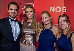 21-12-2016 NED: Sportgala NOC * NSF 2016, Amsterdam<br /> In de Amsterdamse RAI vindt het traditionele NOC NSF Sportgala weer plaats / Reinder Nummerdor, Manon Nummerdor-Flier en Marleen Ramond-van Iersel, Myrthe Ramond-van Iersel