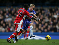 Photo: Lee Earle.<br /> Chelsea v Middlesbrough. The Barclays Premiership.<br /> 03/12/2005. Middlesbrough's Yakubu (L) battles with Damien Duff.