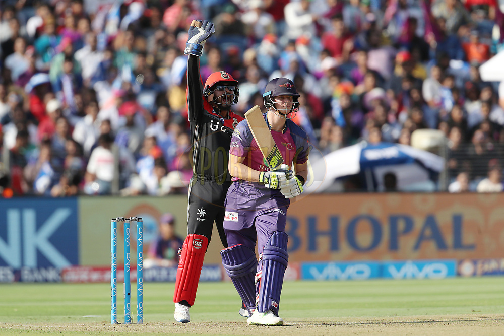 Kedar Jadhav of the Royal Challengers Bangalore appeals for the wicket of Rising Pune Supergiant captain Steven Smith during match 34 of the Vivo 2017 Indian Premier League between the Rising Pune Supergiants and the Royal Challengers Bangalore   held at the MCA Pune International Cricket Stadium in Pune, India on the 29th April 2017<br /> <br /> Photo by Ron Gaunt - Sportzpics - IPL