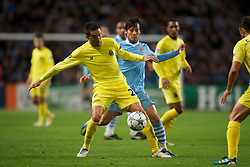 18.10.2011, City of Manchester Stadion, Manchester, ENG, UEFA CL, Gruppe A, Manchester City (ENG) vs FC Villarreal (ESP), im Bild Manchester City's David Silva in action against Villarreal CF's Gonzalo Rodriguez // during UEFA Champions League group A match between Manchester City (ENG) vs FC Villarreal (ESP) at City of Manchester Stadium, Manchaster, United Kingdom on 18/10/2011. EXPA Pictures © 2011, PhotoCredit: EXPA/ Propaganda Photo/ David Rawcliff +++++ ATTENTION - OUT OF ENGLAND/GBR+++++