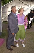 Sir Terence and Lady Conran. Serpentine Summer Gala. 28 June 2001. © Copyright Photograph by Dafydd Jones 66 Stockwell Park Rd. London SW9 0DA Tel 020 7733 0108 www.dafjones.com