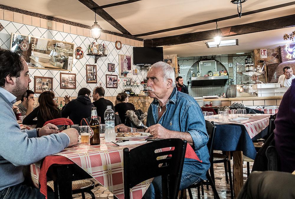 Naples, Rione Sanità. pizzeria