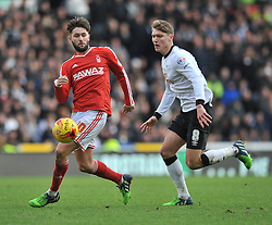 Nottingham Forest's Henri Lansbury is closed down by Derby County's Jeff Hendrick - Photo mandatory by-line: Dougie Allward/JMP - Mobile: 07966 386802 - 17/01/2015 - SPORT - Football - Derby - iPro Stadium - Derby County v Nottingham Forest - Sky Bet Championship