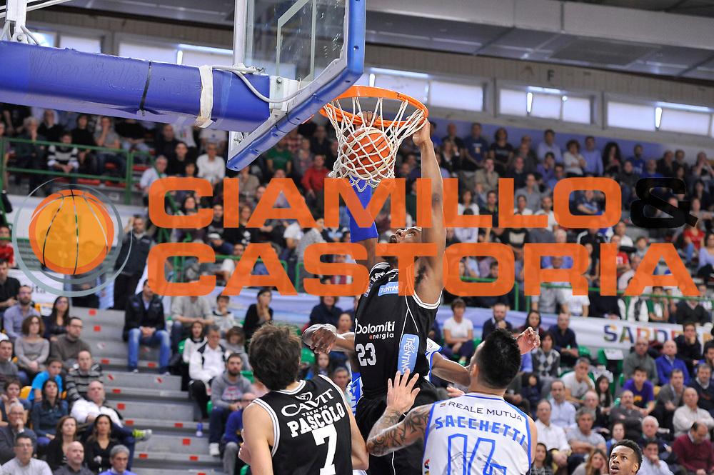 DESCRIZIONE : Campionato 2015/16 Serie A Beko Dinamo Banco di Sardegna Sassari - Dolomiti Energia Trento<br /> GIOCATORE : Dominique Sutton<br /> CATEGORIA : Schiacciata Sequenza<br /> SQUADRA : Dolomiti Energia Trento<br /> EVENTO : LegaBasket Serie A Beko 2015/2016<br /> GARA : Dinamo Banco di Sardegna Sassari - Dolomiti Energia Trento<br /> DATA : 06/12/2015<br /> SPORT : Pallacanestro <br /> AUTORE : Agenzia Ciamillo-Castoria/C.Atzori