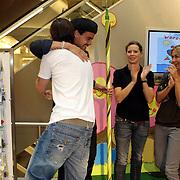 NLD/Amsterdam/20070922 - Opening Woenzel en Pip shop Bijenkorf, Babette van Veen, Johnny de Mol en Wendy van Dijk en Dinand Woesthoff verrichten de opening
