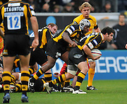 Twickenham, GREAT BRITAIN,  Wasps, attacking through, Rob WEBBER, during the EDF Energy Cup rugby match,  London Wasps vs Newport Gwent Dragons, at Adams Park Stadium, on 02.11.2008 [Photo, Peter Spurrier/Intersport-images]