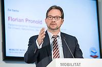 """19 NOV 2018, BERLIN/GERMANY:<br /> Florian Pronold, Parl. Staatsekretaer im Bundesministerium fuer Umwelt, Naturschutz und nukleare Sicherheit, F.A.Z. Konferenz """"Mobilitaet in Deutschland - Zeit fuer neues Denken und Handeln"""", F.A.Z. Atrium<br /> IMAGE: 20181119-01-055<br /> KEYWORDS: F.A.Z."""