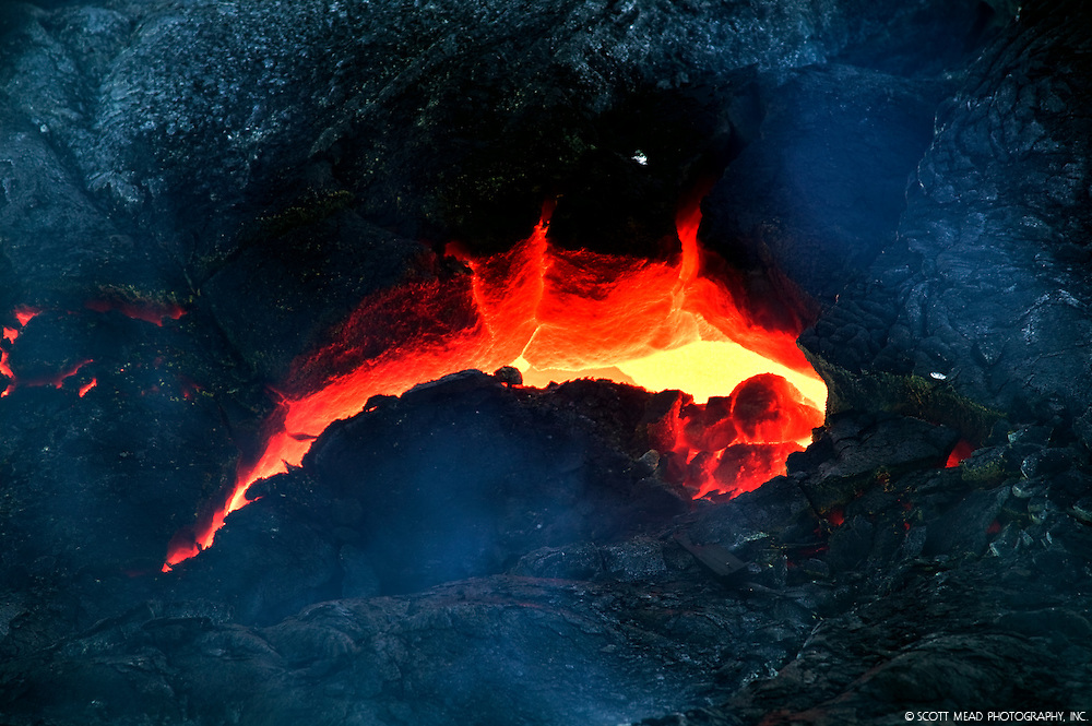 Flowing molten lava from Kilauea, Volcano National Park, Big Island, Hawaii