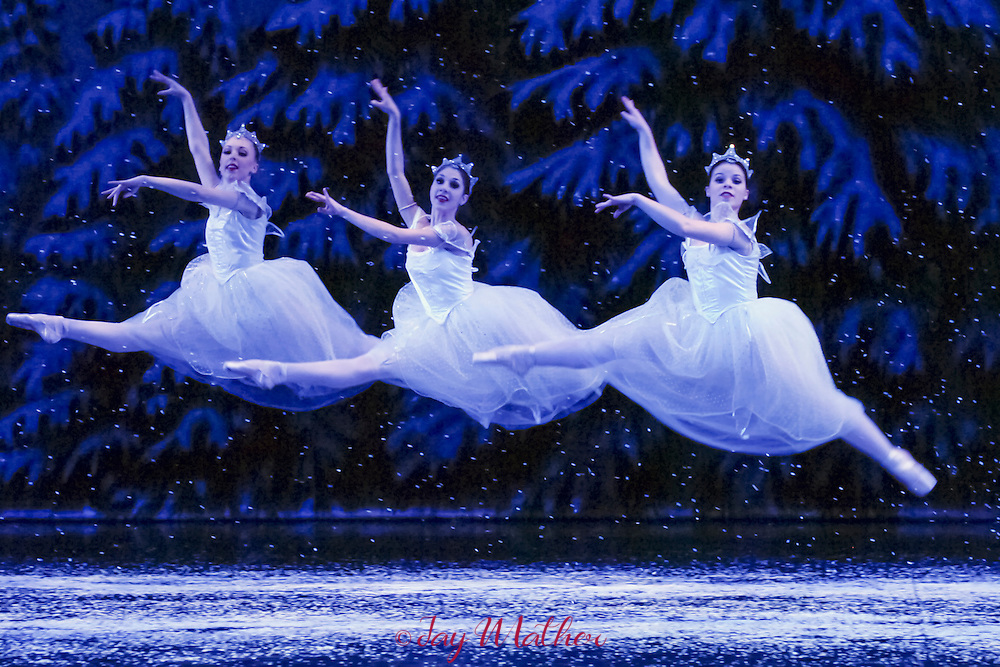 Sacramento Ballet Company production of the annua; holiday favorite, the Nutcracker, Thursday, December 8, 2005.  Sacramento Bee/ Jay Mather