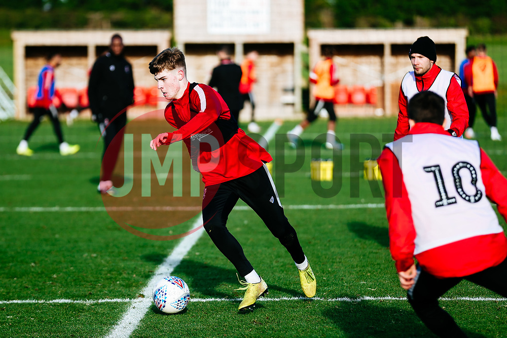 Alex Scott (Guernsey FC) in action - Rogan/JMP - 03/12/2019 - Failand - Bristol, England - Sky Bet Championship.