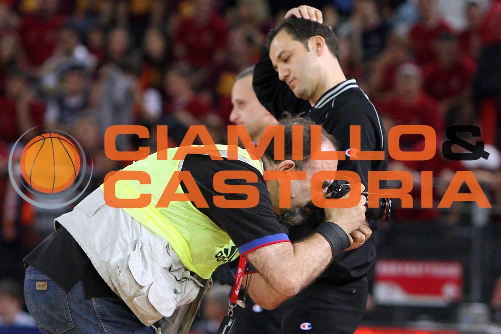 DESCRIZIONE : Roma Lega A1 2007-08 Playoff Finale Gara 3 Lottomatica Virtus Roma Montepaschi Siena<br /> GIOCATORE : Sahin Tolga Giulio Ciamillo<br /> SQUADRA : AIAP<br /> EVENTO : Campionato Lega A1 2007-2008 <br /> GARA : Lottomatica Virtus Roma Montepaschi Siena <br /> DATA : 08/06/2008 <br /> CATEGORIA : Arbitro Referees<br /> SPORT : Pallacanestro <br /> AUTORE : Agenzia Ciamillo-Castoria/E.Castoria