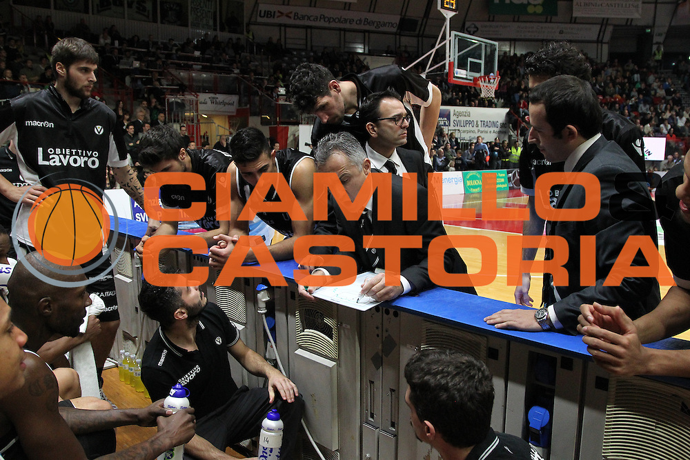 DESCRIZIONE: Varese Lega A 2015/16 <br /> Openjobmetis Varese vs Obiettivo Lavoro Bologna<br /> GIOCATORE: Obiettivo Lavoro Virtus Bologna<br /> CATEGORIA: time out<br /> SQUADRA: Obiettivo Lavoro Virtus Bologna<br /> EVENTO: Campionato Lega A 2015-2016<br /> GARA: Openjobmetis Varese Obiettivo Lavoro Bologna<br /> DATA: 22/11/2015<br /> SPORT: Pallacanestro<br /> AUTORE: Agenzia Ciamillo-Castoria/A. Ossola<br /> Galleria: Lega Basket A 2015-2016<br /> Fotonotizia: Varese Lega A 2015-16 <br /> Openjobmetis Varese Obiettivo Lavoro Bologna