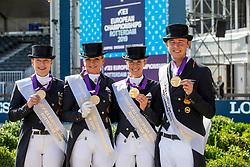 WERTH Isabell (GER), SCHNEIDER Dorothee (GER) VON BREDOW-WERNDL Jessica (GER), ROTHENBERGER Soenke (GER)<br /> Rotterdam - Europameisterschaft Dressur, Springen und Para-Dressur 2019<br /> Mannschaftsfoto mit Goldmedaille<br /> Longines FEI European Championships Dressage Grand Prix - Teams (2nd group)<br /> Teamwertung 2. Gruppe<br /> 20. August 2019<br /> © www.sportfotos-lafrentz.de/Stefan Lafrentz