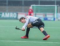AMSTELVEEN - Johannes Mooij (Adam) tijdens de hoofdklasse competitiewedstrijd mannen, Amsterdam-HCKC (1-0).  COPYRIGHT KOEN SUYK
