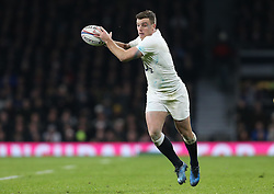 George Ford of England - Mandatory by-line: Robbie Stephenson/JMP - 04/02/2017 - RUGBY - Twickenham - London, England - England v France - RBS Six Nations